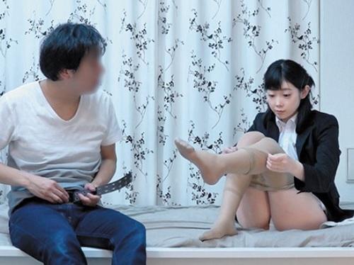 《素人ナンパ》「もぉ面接の練習なのに何でHするの…」真面目なスレンダー女子大生を連れ込んでパコッちゃうw《隠し撮り・盗撮》