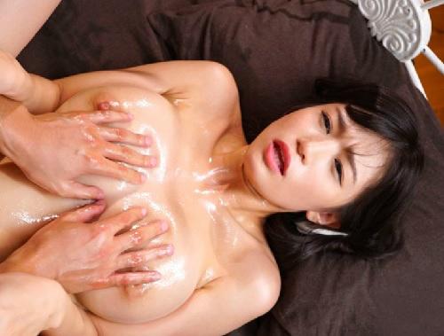 《高橋しょう子》「もっと!もっと揉んでええ♡」スレンダーボディに巨乳・巨尻の美少女が性感開発されビンク乳首エビ反りアクメ!