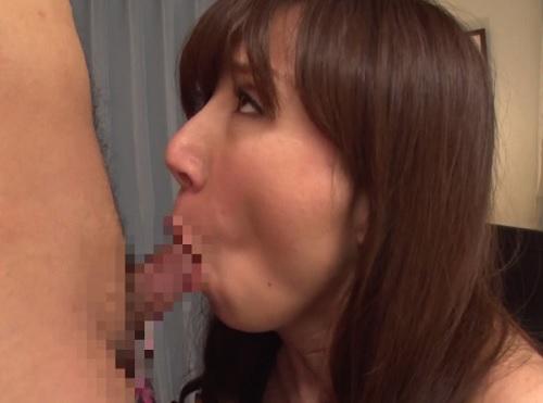 【四十路・人妻熟女】「もぉ♡おばさんでこんなにしちゃダメよ♡」スレンダー巨乳おっぱい美人の義母がエロくてNTR不倫SEX!