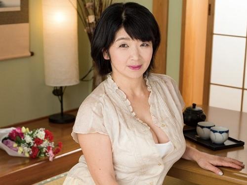 【五十路・人妻熟女】巨乳おっぱい好きはとりあえず見とけ!!50代おばさんにはありえない張りの超乳が抜け過ぎるエロ動画!