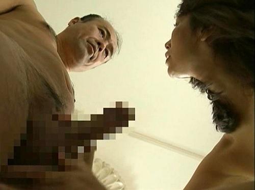 【ヘンリー・塚本】「はぁ♡…これよ!これがほしかったの♡これで思い切り貫いて!」欲求不満な巨乳おっぱい人妻熟女が濃厚不倫