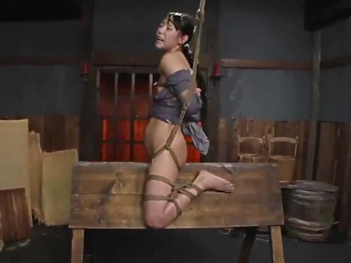 【ハードSM・拷問】「もぉやだっ!もぉやめてぇ!(泣)」貧乳おっぱいパイパン美少女を凌辱!おしっこお漏らし絶叫アクメ!