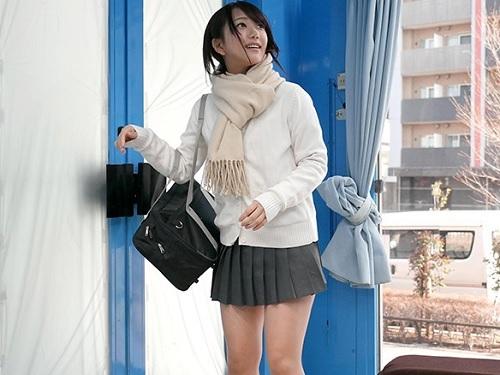 【素人ナンパ企画】「SEXは一昨日もしました♡」清楚な見た目に反しヤリマン・変態なスレンダー巨乳おっぱいJKを凌辱するw