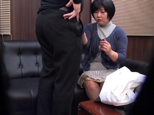 【高齢熟女風俗嬢】「じゃあ始めるわね…♡」五十路・六十路の人妻おばさん達が垂れ乳巨乳おっぱいムチムチボディでサービスするw