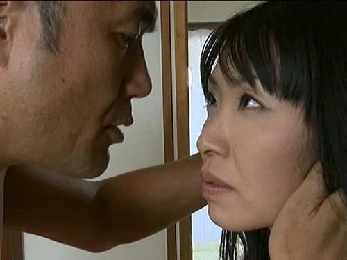 【ヘンリー・塚本】「待ってたわ…早くあなたの太いので犯して!」NTR不倫相手を部屋に招き入れ即ハメセックスする人妻熟女!