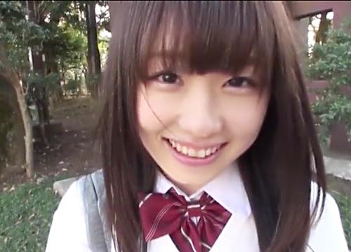 「ゴムいらないよ♡生が好き♡」可愛い過ぎるロリ美少女と制服コスプレセックス!スレンダー美乳おっぱいがエロ過ぎて中出し!