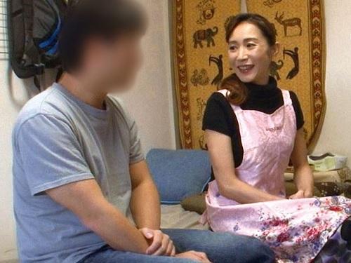【五十路・人妻熟女】「私が話聴くわよ?♡」おばさんレンタルで呼んだスレンダー巨乳おっぱいBBAと中出しセックスww