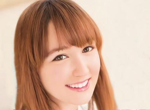 【白人美少女】「いっぱいHな事してほしいな♡」激可愛い美乳おっぱい外国人が日本人の肉棒おしゃぶり、JK制服コスプレでSEX!