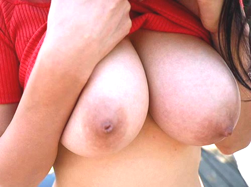 【桐谷まつり】釣り鐘型・超乳おっぱいが抜ける!神乳・黒髪のスレンダー巨乳美少女を男に邪魔されずに堪能できるエロ動画