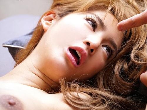 """《キメセク・媚薬・泥酔》「あ""""あ""""ぁ…い""""ぐぅぅ!!」黒乳首・デカ乳輪のスレンダー巨乳おっぱい金髪ギャルが白目でアクメ!"""