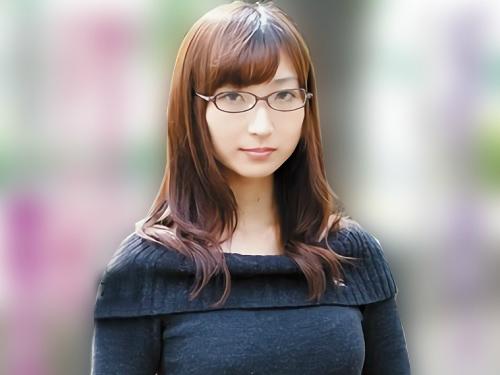 ■変態地味子■「もっと!もっと犯してぇぇ!」真っ黒なビラビラグロマンコのスレンダー美乳おっぱいメガネ美少女がアへ顔アクメ!