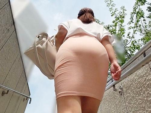 ■人妻熟女NTR■「きゃっ!ど、どうしたの?!」タイトスカート・ピタパン巨乳おっぱい巨尻おばさんがエロ過ぎて凌辱レイプ!