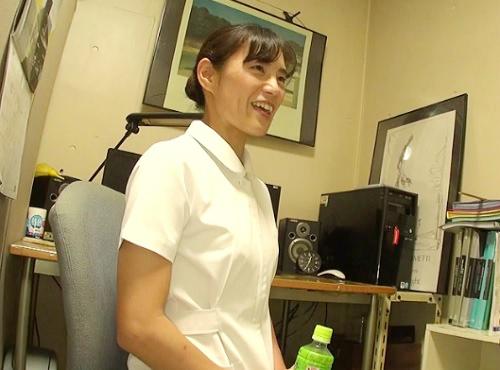 熟女ナース「おばさんで良いんですか?♡」スレンダー貧乳おっぱいの人妻看護師を口説いて職場でオナニー&ホテルハメ撮り!