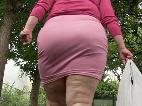【デブ専・ヤバイやつ】「おばさんとSEXしてほしいの♡」ぽっちゃりムチムチ巨尻・巨乳おっぱいの変態人妻のメガネデブを凌辱!