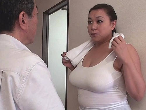 人妻熟女NTR「SEXするわよ♡」ぽっちゃりムチムチのKカップ超乳・巨乳おっぱいおばさん義母とバレないようにNTR!