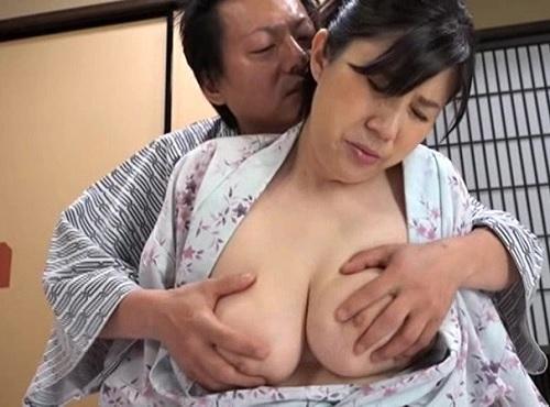 《人妻熟女NTR》「だ、ダメです…いやっ」ぽっちゃりムチムチ巨乳おっぱいおばさん社長がライバル会社社長に膣内射精される!