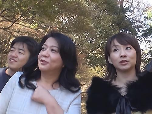 《五十路・四十路》「うふふ♡おばさんで良いのかしら♡」ぽっちゃりムチムチ巨乳おっぱい素人人妻をナンパして乱交ハメ撮り!