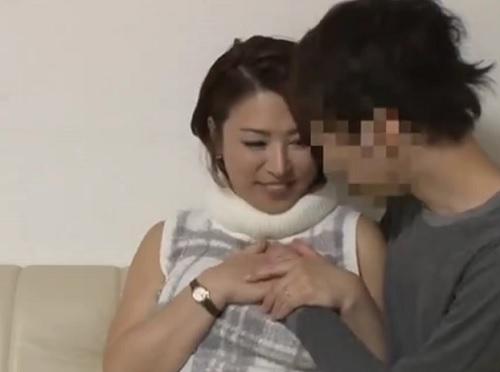 【熟女ナンパ】「ね、おばさん緊張してるの♡」巨乳おっぱいムチムチ素人人妻美魔女とNTR・SEX!|隠し撮り