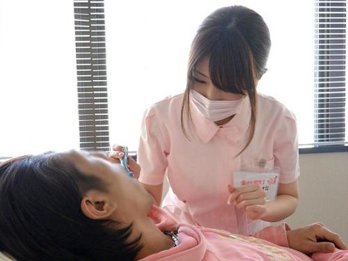 《超抜ける!巨乳・歯科助手》『お口見ますねぇ♡』ムチムチ超乳おっぱいのギャルを昼休みに呼び出してハメ撮り!素人ナンパ