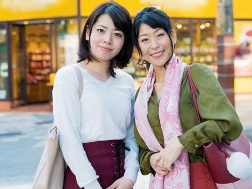 《親子丼ナンパ》「ママのクリちゃん舐めてあげる♡」スレンダー巨乳おっぱいがエロい!お姉さんと人妻熟女おばさんと乱交!
