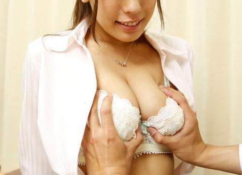 筆おろし企画「もぉ♡夢中になっちゃって…♡」美人の巨乳おっぱい上司に新人童貞を大人にする手伝いお願いして膣内射精w