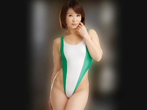 《五十路・人妻熟女》「恥ずかしいわ…♡」50過ぎてキャンギャルをお願いされた美乳おっぱいスレンダーおばさん興奮しちゃう!