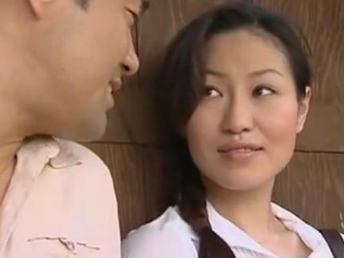 【ヘンリー・塚本】「私とやりたいの?♡」田舎の巨乳おっぱいおばさんがバス停で不倫SEX!人妻熟女の生々しいSEXが抜ける!