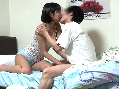 《姉弟相姦で巨乳の姉に膣内射精》弟大好きおっぱい綺麗なショートカット美少女がイチャラブ!「お姉さんの中にいいよ・・・」