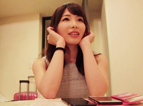 《椎名りりこ》「AV女優やってみたくて♡」そのへんに居そうなスレンダー巨乳おっぱいの美女お姉さんがハメ撮りでアクメする!