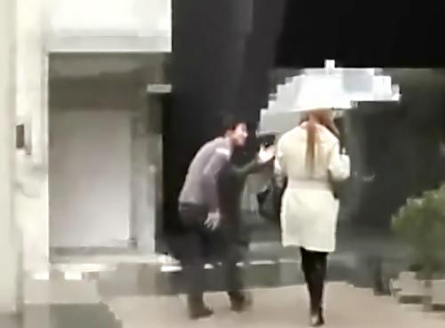 人妻ナンパ「主人に怒られちゃいますんで・・・♡」スレンダー巨乳おっぱいな素人ギャル若妻を連れ込んでNTR膣内射精SEX!