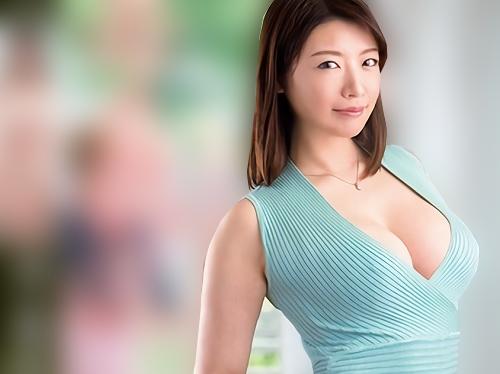 【三十路・人妻熟女】「内緒よ・・・♡」欲求不満なムチムチ巨乳おっぱいのママの友達が誘惑!エロ過ぎボディに膣内射精!