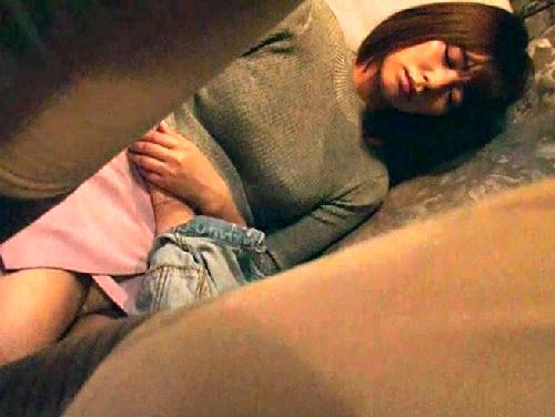 【深夜バスxレ○プ】「んんっ…や、やだぁぁ…」巨乳おっぱいお姉さん快楽堕ちで勃起クリを押し付け騎乗位中出しでアクメする!