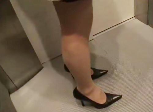 《人妻熟女》「こちらこそ…気持ち良かった♡」ガリ巨乳おっぱい&タイトスカートの普通のおばさんが素人宅に派遣されSEX!