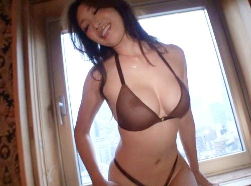 《三十路・美魔女》「私で興奮して♡♡」スレンダー巨乳おっぱいと淫語セックスが卑猥過ぎる痴女お姉さんとホテルでハメ撮り!