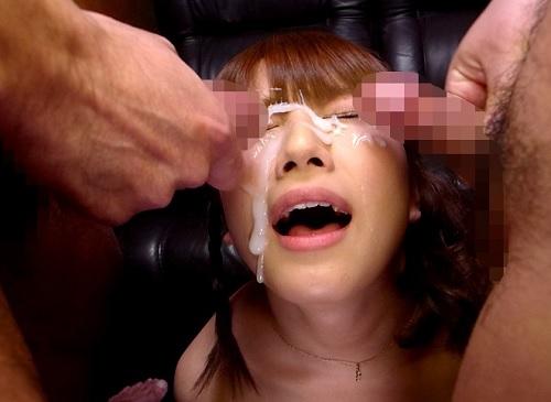 【顔射】「私で興奮して?♡くっさいザーメンいっぱい出してね♡」スレンダー巨乳おっぱいの現役JDのアイドル顔美少女を汚すw