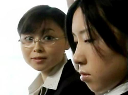 【ハードレズ】「したいの♡」女教師が教え子のJKと濃厚百合プレイ!鼻の穴まで舐め回し、ペニバンで犯しまくるヤバイやつ!