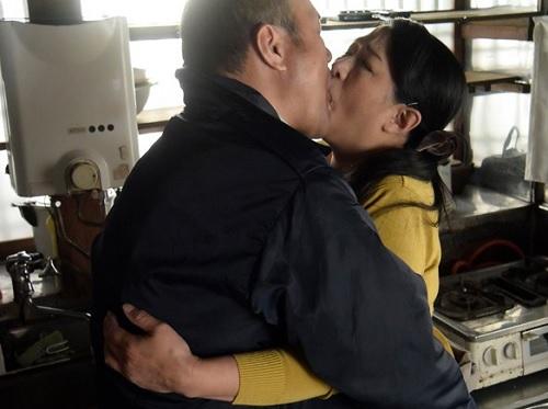 【六十路&人妻熟女】「抱いて!挿れてっ♡」NTR不倫SEXにハマる、ムチムチぽっちゃり巨乳おっぱい還暦おばさん!