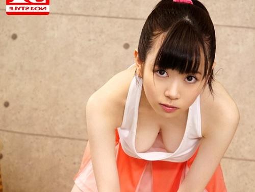 【超絶美少女】「あんあん♡感じちゃうよぉ♡」スレンダーで色白な巨乳おっぱいが卑猥すぎる美少女が胸チラするから襲うw