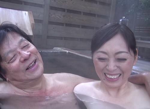 【五十路・人妻熟女】「またアナタとできて嬉しいわ♡」長年連れ添った夫婦のSEX!ムチムチ巨乳おっぱいおばさんが乱れる!