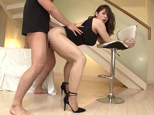 【着衣SEX】「あん♡お肉かき分けて入ってくるぅ♡」ムチムチ巨乳おっぱい美女のパンスト破いてずらしハメでチンポぶちこむ!