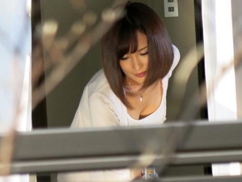 【ストーカー・レ●プ】「だれ!?イヤ!いやぁぁ!」隣の美人でスレンダー巨乳おっぱいな若妻をのぞき見し、無理やり膣内射精!