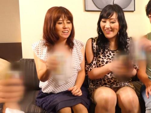 【人妻ナンパxアナルセックス】「お尻の穴凄いのぉぉぉ♡」巨乳おっぱい素人の50代熟女を捕まえて、ケツの穴でしごくww