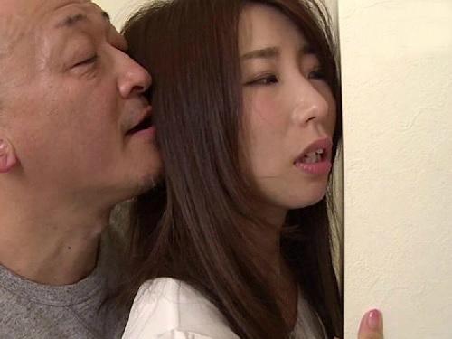 【NTR】「や、やめなさいっ!」スレンダー巨乳おっぱいのクソエロボディ人妻熟女おばさんが義兄に無理やりハメられ感じる!