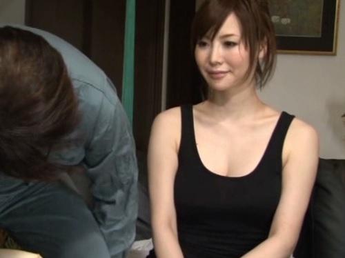 【NTR】「だ、だめですって…♡」スレンダー巨乳おっぱいの同僚の奥さんがエロくて手を出す!夜這いされた人妻が受け入れる!