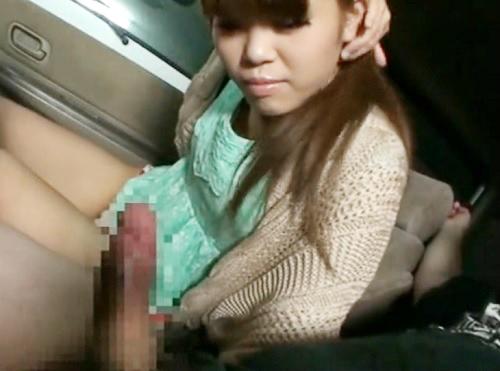 【素人娘xオナニー鑑賞】「お口で…♡?うん…♡」ムチムチ太ももが激エロな茶髪ギャルに車内でオナニーを見せて楽しむw