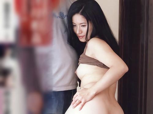 【近親相姦】「撮ってほしいの♡」スレンダー美乳おっぱい変態人妻熟女が、息子に夫とのSEXを撮らせたり、ハメ撮りSEXするw