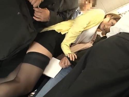 【媚薬・痴カン】「出る出る出るっ♡」ドラッグで絶倫痴女化したスレンダー巨乳おっぱいOLお姉さんがお漏らし&膣内射精される