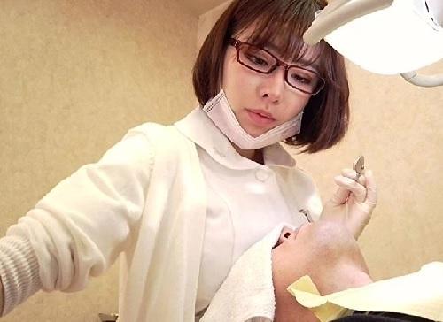 【深田えいみx歯科衛生士】「亀頭も磨いてあげますね♡」知的メガネのスレンダー巨乳おっぱいお姉さんの誘惑がエロ過ぎるww
