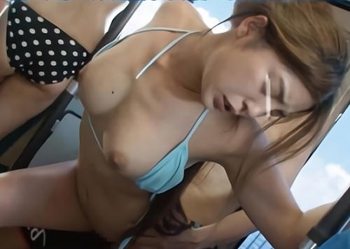【夏の路線バスx痴カン】「やめてっ!」海で楽しんで水着のままバスにのってきた巨乳おっぱい茶髪のパリピギャルを辱める!!