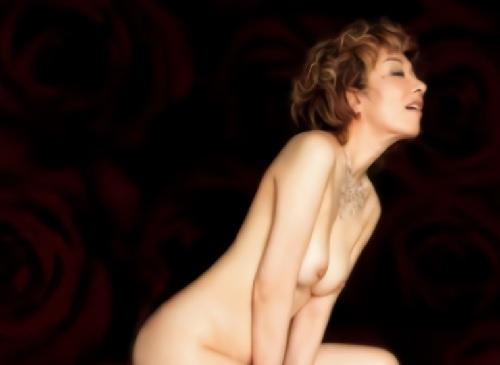 【真梨邑ケイ】「もっと!もっと私の身体を抱いて!」色情狂いのスレンダー美乳おっぱいの元芸能人おばさんがチンポにアクメ!
